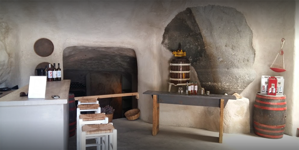 Salty Rides - Visit the only winery of Milos